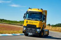 T High Renault Sport Racing – the sportiest version of the Renault tractor