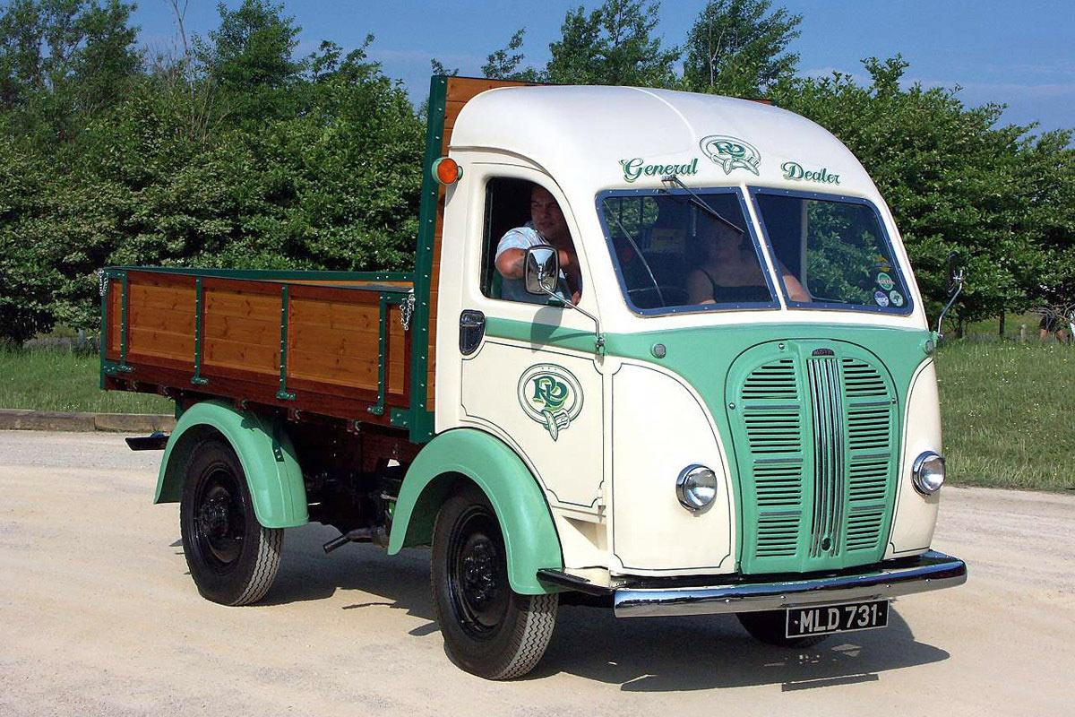 austin k8 commercial vehicles trucksplanet. Black Bedroom Furniture Sets. Home Design Ideas