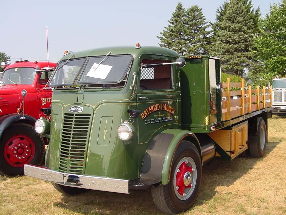 Diamond T Truck For Sale Australia >> Autocar UA/UB/UR, U-10/U-20/U-30/U-40/U-50 (Commercial vehicles) - Trucksplanet