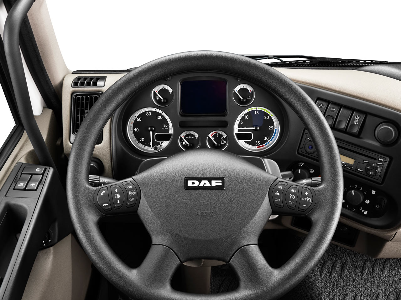 Daf lf 2nd generation commercial vehicles trucksplanet for Antenne interieur