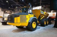 John Deere 460E - the biggest articulated truck