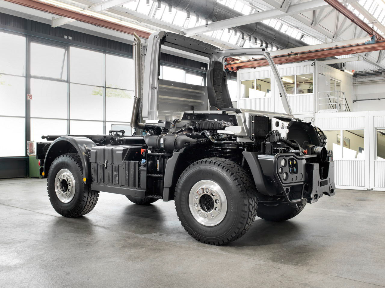 Unimog expedition for sale in autos weblog for Mercedes benz trucks for sale in usa