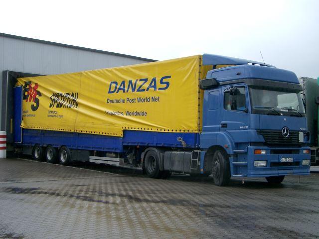 Mercedes benz axor i commercial vehicles trucksplanet for Mercedes benz turkey