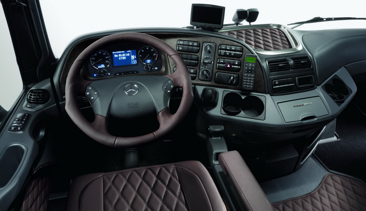 Mercedes benz actros mp3 edition black liner white liner for Mercedes benz upholstery