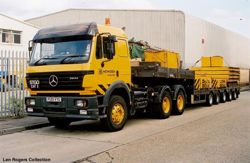 Would you like it if scs added some old models of trucks for Old mercedes benz trucks