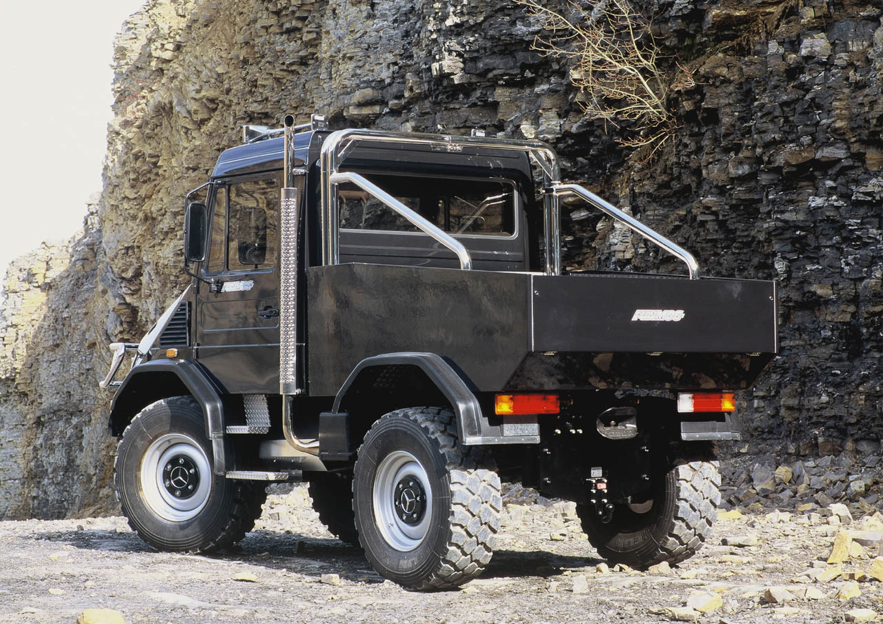 Mercedes benz unimog funmog special vehicles for Mercedes benz unimog