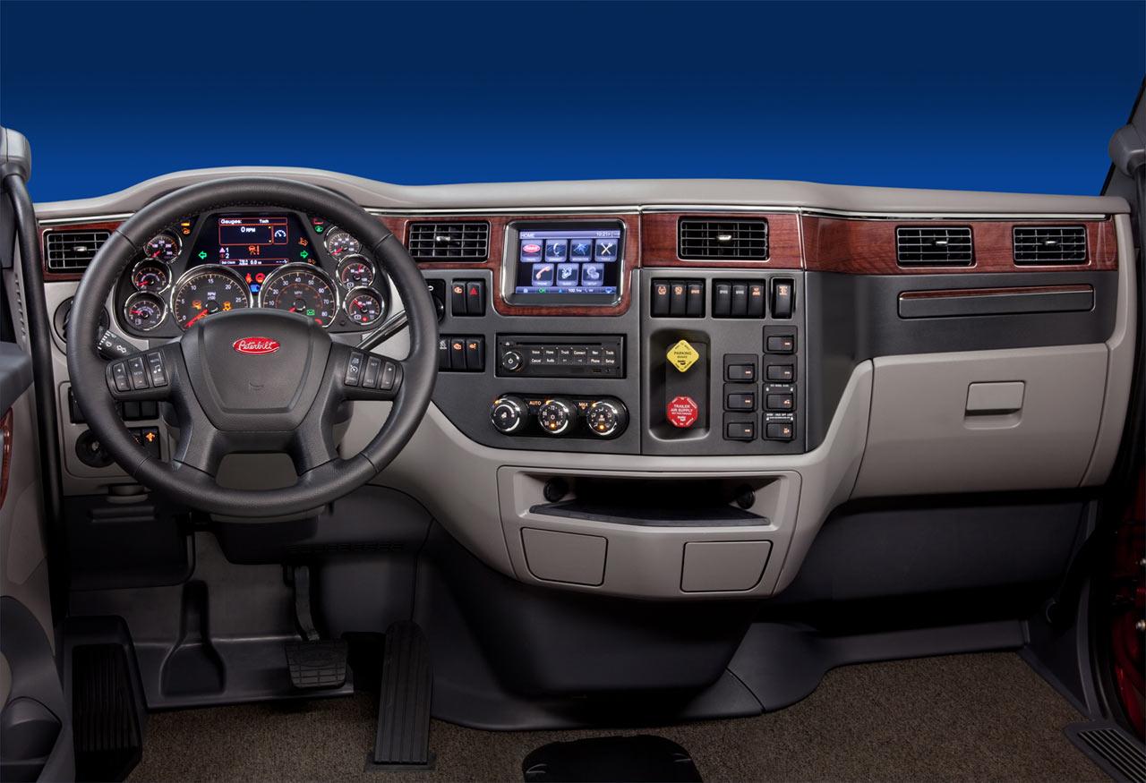 2014 Peterbilt 579  Conventional Sleeper Truck in Tulsa
